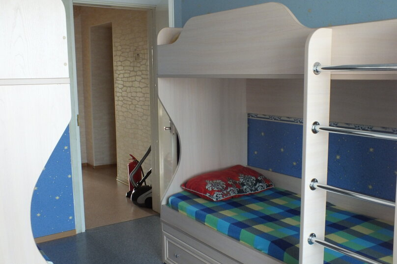 """Хостел """"8 этаж"""", улица Дзержинского, 56 на 7 номеров - Фотография 13"""