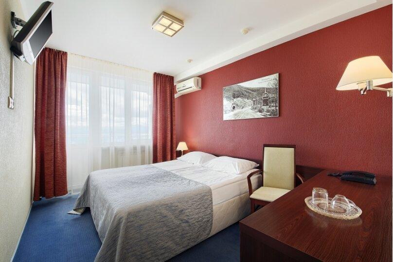 Стандарт двухместный с большой кроватью, 1-я Бульварная улица, 17, Пятигорск - Фотография 1