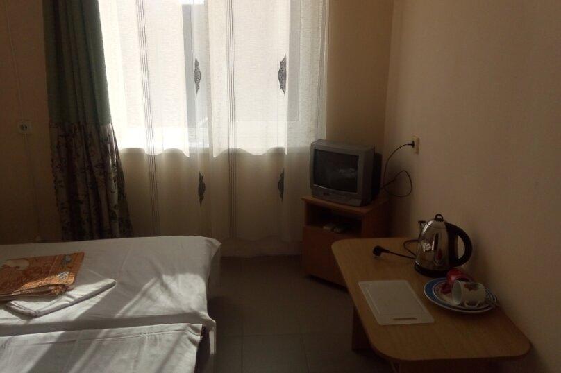 """Гостевой дом """"На Морской 4"""", Морская улица, 4 на 18 комнат - Фотография 30"""