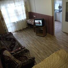 1-комн. квартира, 31 кв.м. на 4 человека, проспект Ленина, Центральный район, Новороссийск - Фотография 1
