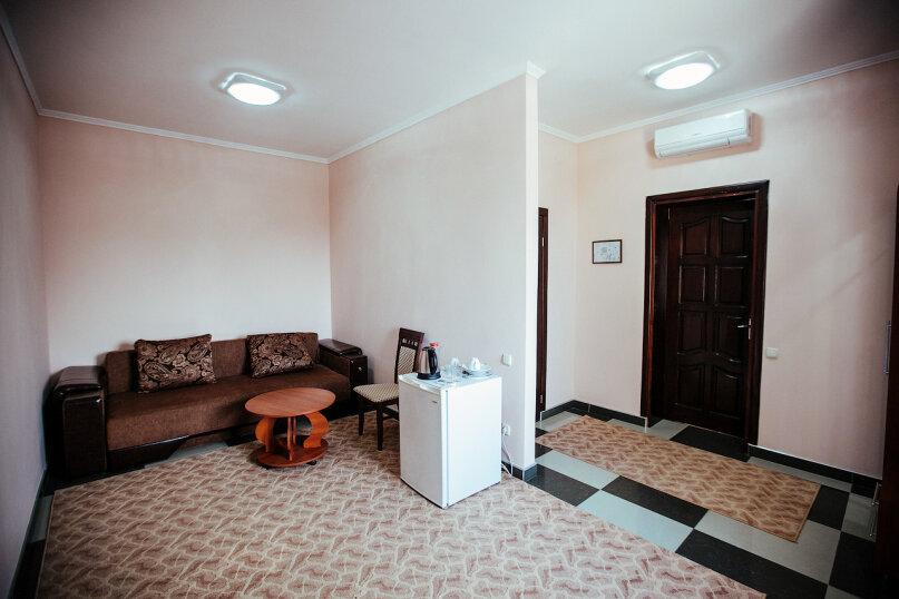 Полулюкс 2-х комнатный, улица Воровского, 17, Симферополь - Фотография 3