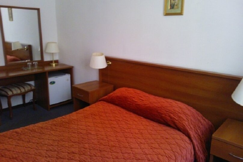 Улучшенный 2-х местный номер с одной кроватью, д. Вырубово, 160, Одинцово - Фотография 4