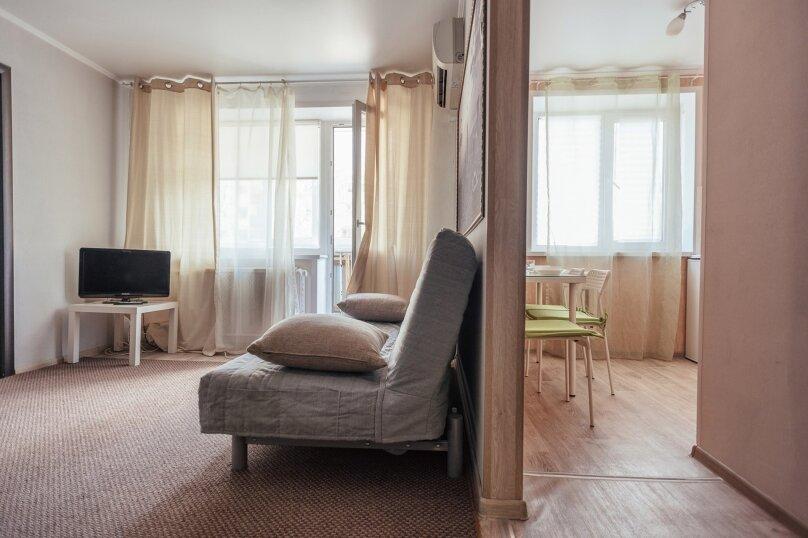 2-комн. квартира, 48 кв.м. на 7 человек, Комсомольская улица, 46, Тольятти - Фотография 4