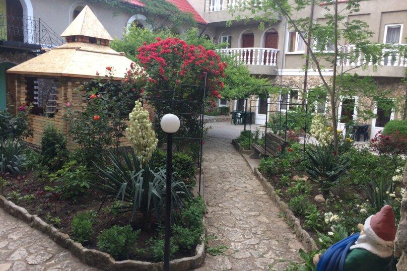 """Отель """"Лидия"""", улица 70 лет Октября, 12 на 36 номеров - Фотография 6"""
