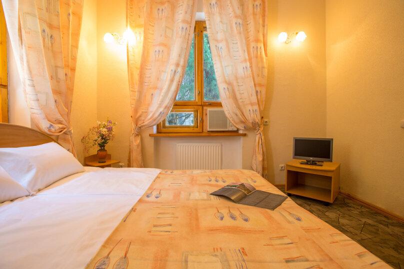 2-х местный 2-х комнатный номер, Набережная улица, 24, Алушта - Фотография 1
