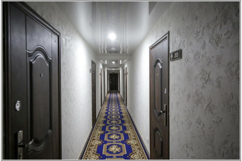 """Отель """"Абажур"""", улица Льва Шатрова, 23 на 16 номеров - Фотография 32"""