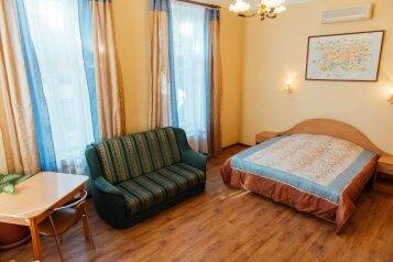Улучшенный комфорт №7 второй этаж:  Номер, 3-местный (2 основных + 1 доп), Гостиница, Екатерининская улица на 6 номеров - Фотография 3