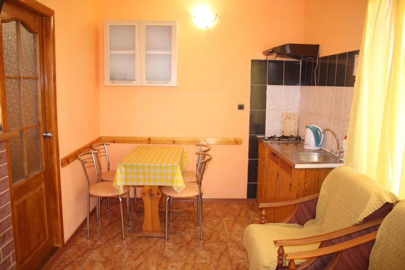 Гостевой дом для летнего отдыха., 70 кв.м. на 8 человек, 4 спальни, Дачная, 9, поселок Орджоникидзе, Феодосия - Фотография 10