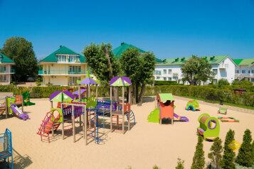 Современный курортный комплекс с собственным пляжем  по системе «all inclusive», Пионерский проспект на 116 номеров - Фотография 2