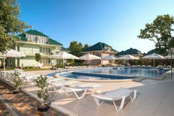 Современный курортный комплекс с собственным пляжем  по системе «all inclusive», Пионерский проспект на 116 номеров - Фотография 1