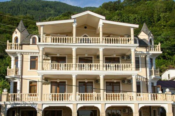 Отель на первой береговой линии, Кабардинская улица, 143 на 20 номеров - Фотография 1