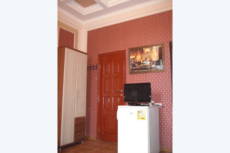 Семейный Люкс на первом этаже (№5)Трехместный +1 бесплатное доп.место (Двухспальная кровать и раскладной диван)., Береговая улица, 15, Заозерное - Фотография 3