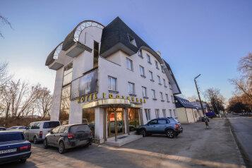 Гостиница, улица Керамзавода, 19с1 на 30 номеров - Фотография 1