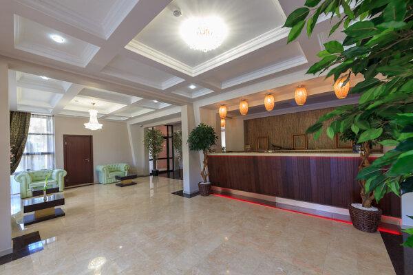 Отель, улица Луначарского, 133А на 46 номеров - Фотография 1