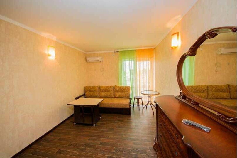 """Гостевой дом """"Лиза"""", Новороссийская улица, 4 на 18 комнат - Фотография 11"""