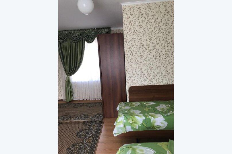 """Гостевой дом """"Изумруд"""", Высотная улица, 3 на 20 комнат - Фотография 4"""