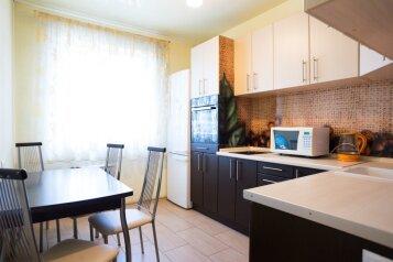 1-комн. квартира, 45 кв.м. на 4 человека, улица Батурина, Красноярск - Фотография 2