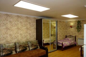 1-комн. квартира, 30 кв.м. на 4 человека, улица Генерала Петрова, Севастополь - Фотография 1