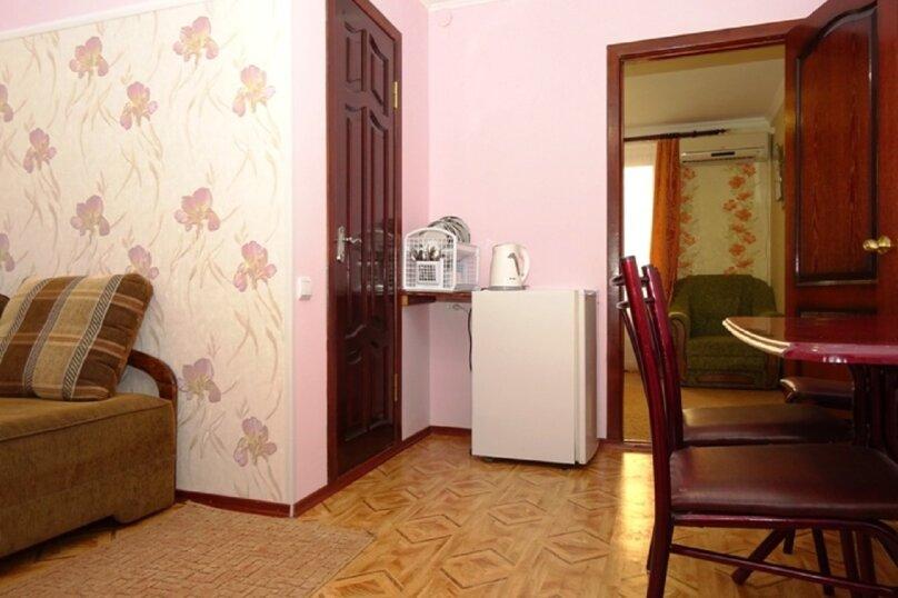 """Гостевой дом """"Александры и Александра"""", Десантников, 7 на 14 комнат - Фотография 47"""