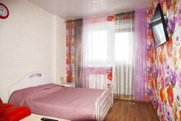 1-комн. квартира, 40 кв.м. на 4 человека, улица Степана Разина, 107, Чкаловский район, Екатеринбург - Фотография 1