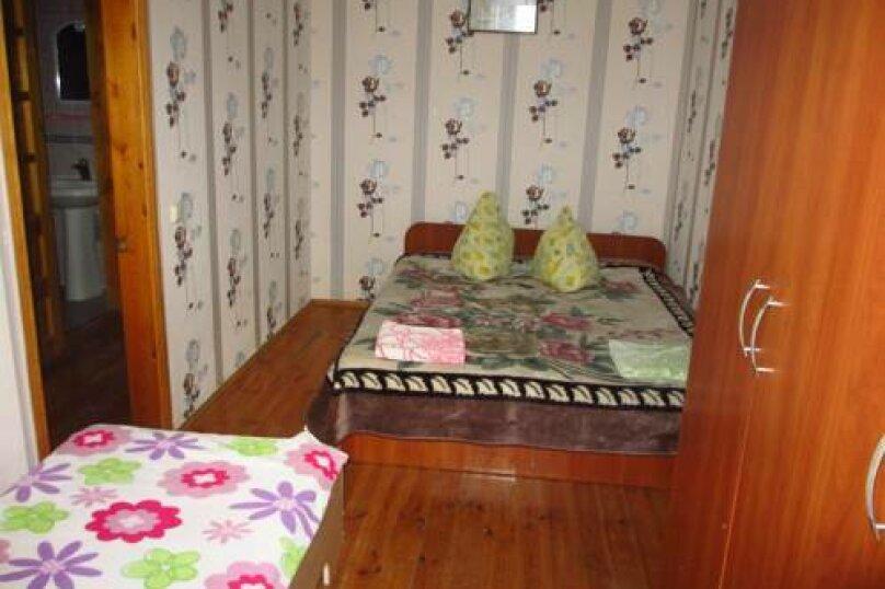 Комната семейная ( две комнаты ) на 5 человек) № 1,2,3,5,6,7,8, Восточная улица, 86, Новосельское, Черноморское - Фотография 1