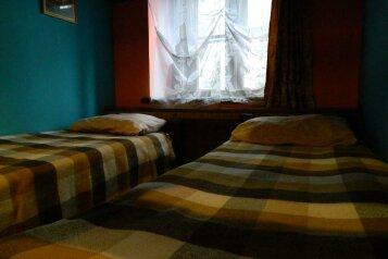 Четырехместный номер с двуспальной кроватью:  Номер, Эконом, 4-местный, 1-комнатный, Хостел, Лиговский проспект, 56Е на 5 номеров - Фотография 3