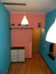Четырехместный номер с двуспальной кроватью:  Номер, Эконом, 4-местный, 1-комнатный, Хостел, Лиговский проспект, 56Е на 5 номеров - Фотография 4