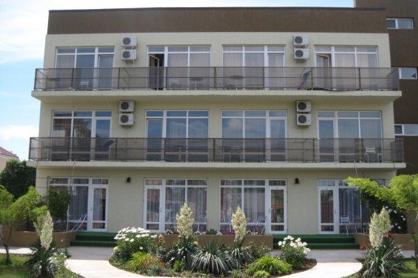 Гостевой дом, Прибрежная , 34б на 16 номеров - Фотография 1