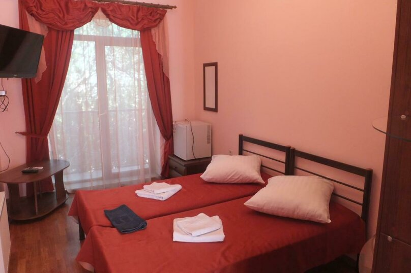 2-х местный номер-люкс c 2-мя кроватями, Галерейная улица, 3А, Феодосия - Фотография 1
