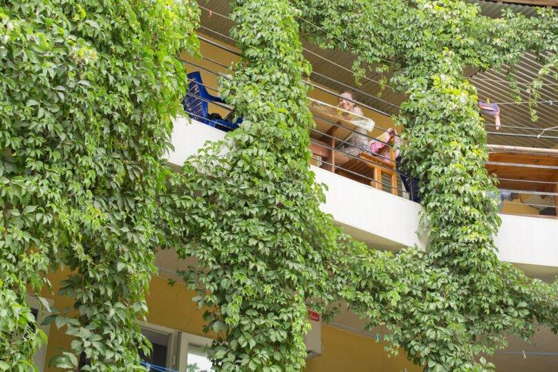 """Гостевой дом """"Tаир"""", улица Мельников, 22 на 11 комнат - Фотография 4"""