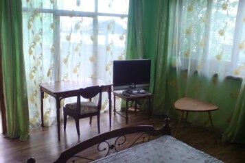 Номер на первом этаже:  Номер, Полулюкс, 4-местный (2 основных + 2 доп), 1-комнатный, Домовладение, переулок Чехова, 3 на 2 номера - Фотография 4