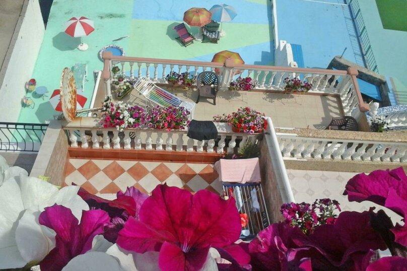 """Гостевой дом """"Stefani"""", улица Гагариной, 25/10 на 4 комнаты - Фотография 1"""