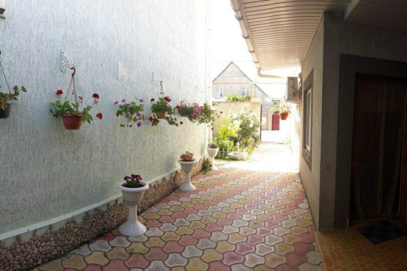"""Гостевой дом """"На Лиманной 10"""", Лиманная улица, 10 на 15 комнат - Фотография 1"""