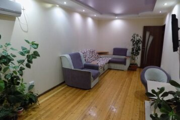 3-комн. квартира, 68 кв.м. на 6 человек, улица Сурикова, 16, Алупка - Фотография 1