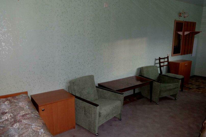 """Гостевой дом """"На Первого Мая 55"""", улица 1 Мая, 55 на 4 комнаты - Фотография 9"""