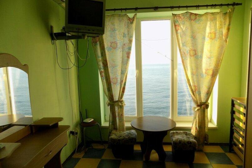 Однокомнатный  номер в 10 метрах от моря., 26 кв.м. на 3 человека, улица Ленина , 35Б 7, Алупка - Фотография 9