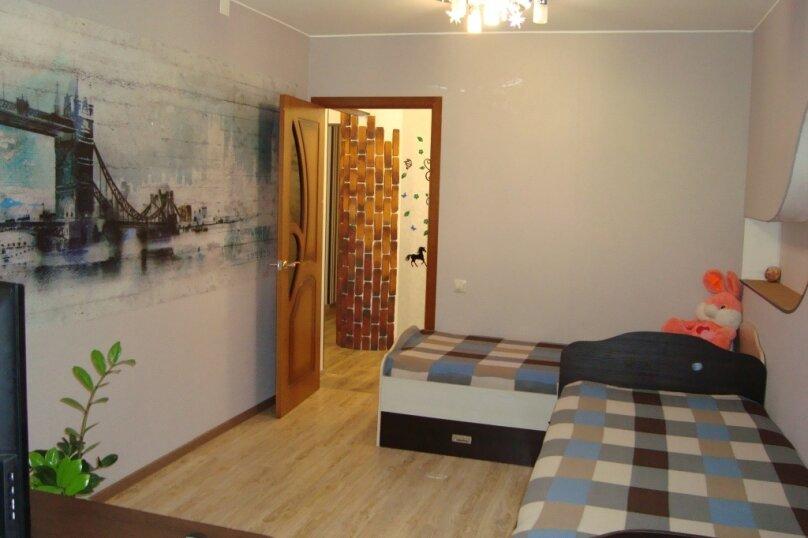3-комн. квартира, 70 кв.м. на 6 человек, улица Гагарина, 199, Байкальск - Фотография 6