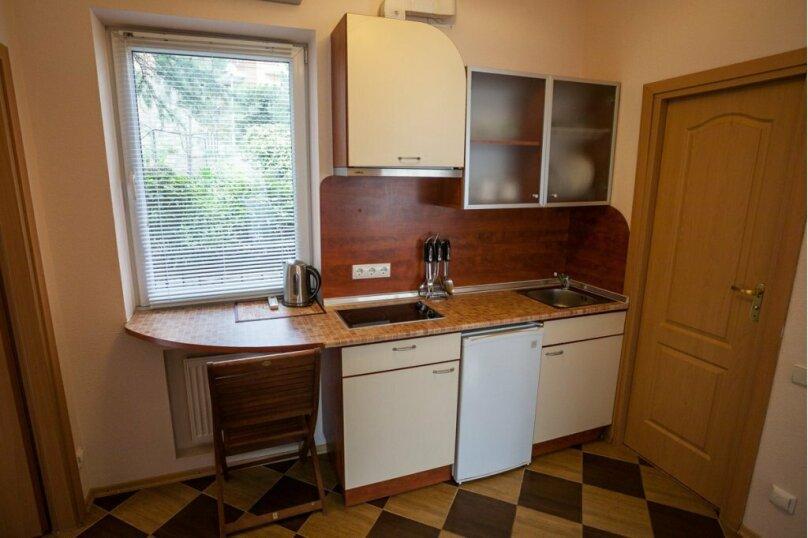 2-х комнатный люкс с кухней, Алупкинское шоссе, 15Г, Кореиз - Фотография 9