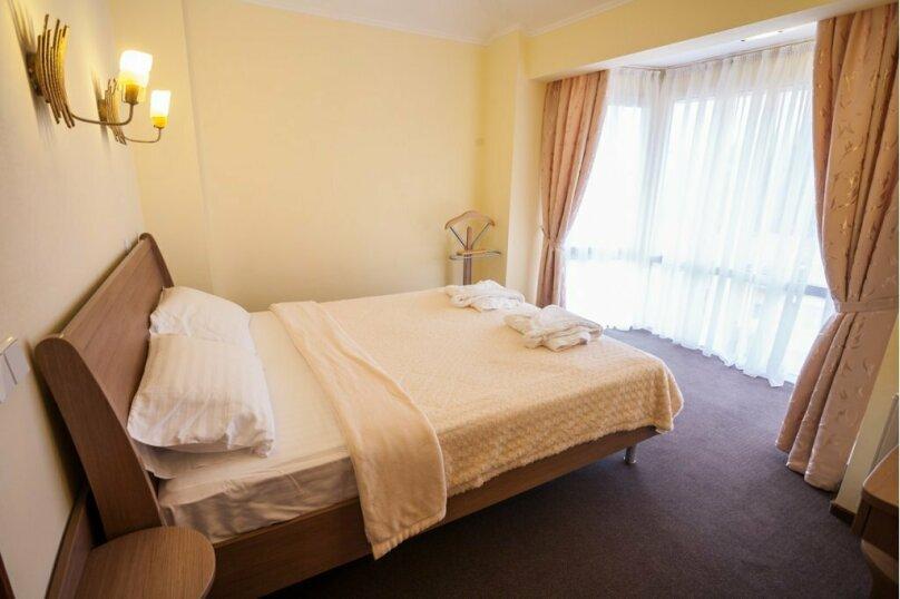 3-х комнатные аппартаменты, Алупкинское шоссе, 15Г, Кореиз - Фотография 1