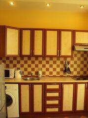 1-комн. квартира, 32 кв.м. на 3 человека, улица Багликова, 21, Алушта - Фотография 1