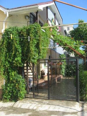 Гостевой дом с двумя однокомнатными номерами, Приморская улица, 22 на 2 номера - Фотография 1