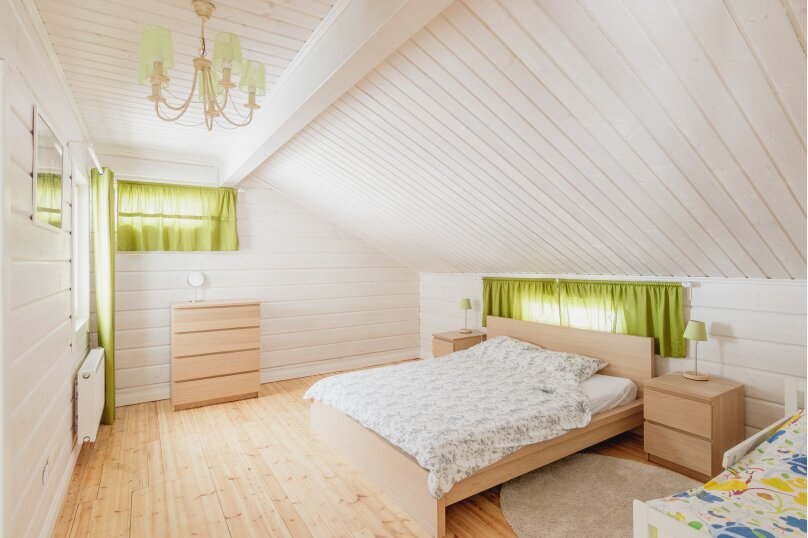 Коттедж с 6 спальнями, сауной и камином (до 14 гостей), 220 кв.м. на 12 человек, 6 спален, Русская Красавица, 1, Межозерное - Фотография 17