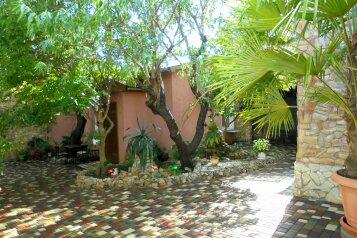 Домик под абрикосовым деревом на 2-4 человека., 37 кв.м. на 4 человека, 1 спальня, Военно-морской переулок, Феодосия - Фотография 3