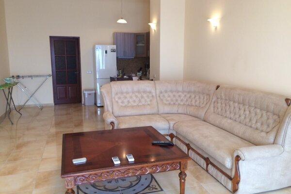 Апартаменты на берегу моря, 70 кв.м. на 4 человека, 1 спальня, улица Ленина, 35Б, Алупка - Фотография 1