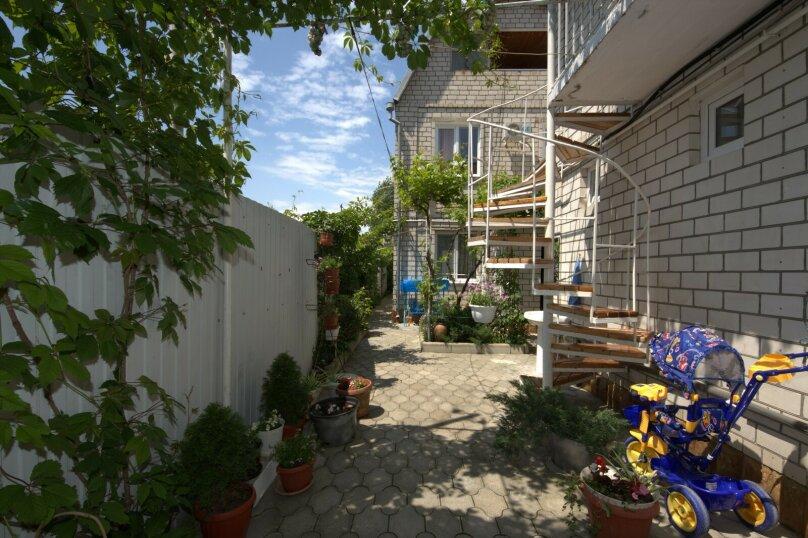 """Гостевой дом """"На Тургенева 98Б"""", улица Тургенева, 98-б на 9 комнат - Фотография 1"""
