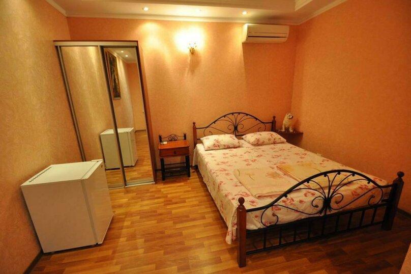 3х местный номер со удобствами, Новороссийская улица, 128, Геленджик - Фотография 1