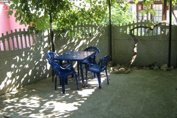 Дом с отдельным двором , 30 кв.м. на 5 человек, 1 спальня, улица 8 Марта, 12, Феодосия - Фотография 2