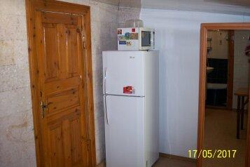Домик под ключ, 40 кв.м. на 5 человек, 2 спальни, улица Гагарина, 41, Судак - Фотография 4