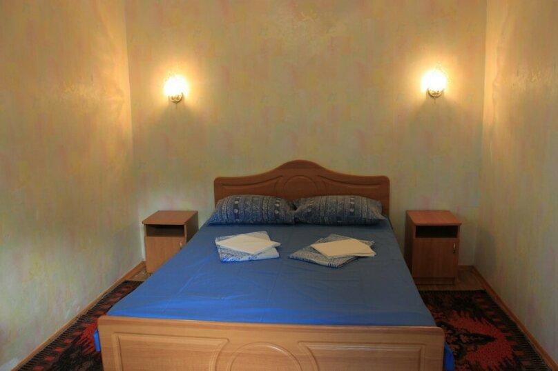 Двухместный номер с двухспальной кроватью (2-й этаж), Красный переулок, 27, Феодосия - Фотография 1