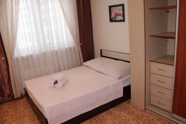 2-комн. квартира, 52 кв.м. на 4 человека, улица Крылова, 26, Сургут - Фотография 1